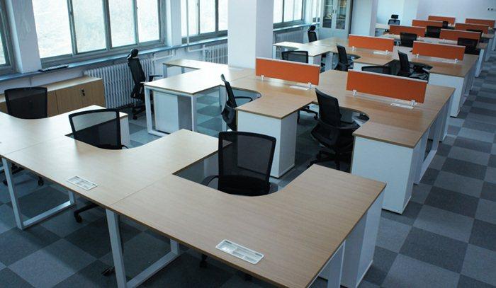 西中心写字楼,长沙办公家具,简单大气上档次