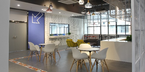打造品质办公 选择长沙办公家具